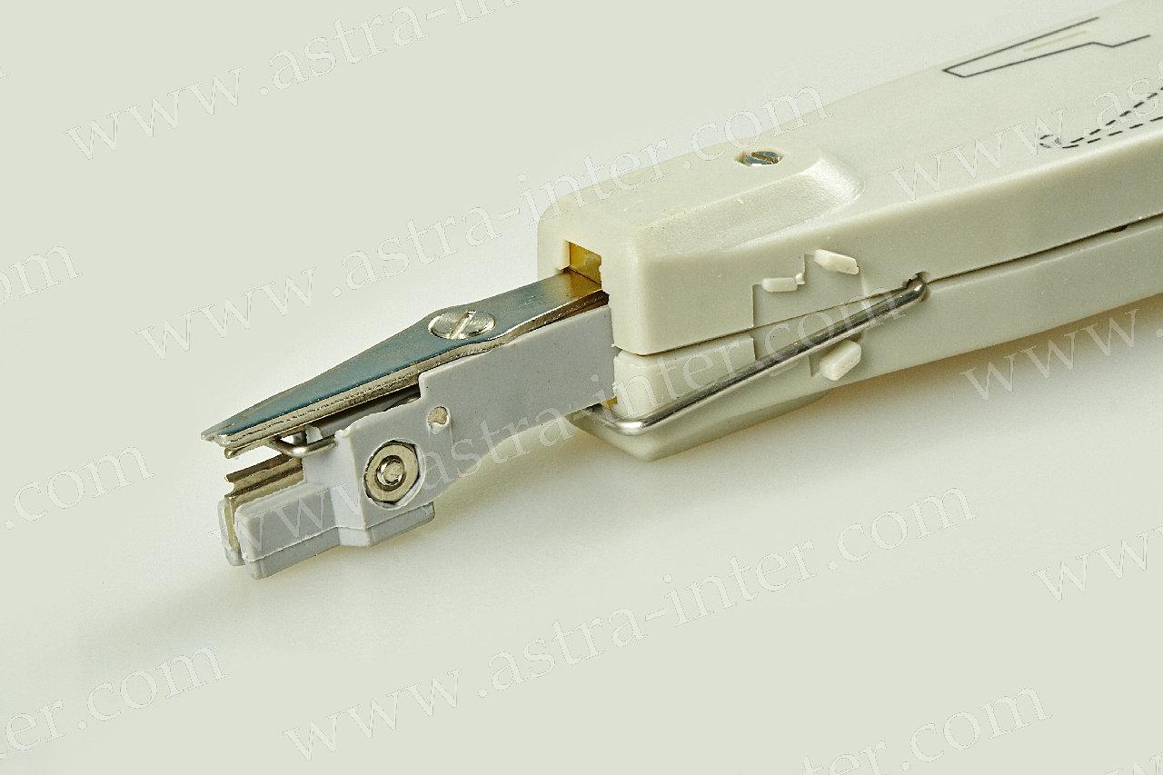 НТ-3141 Инструмент для заделки витой пары
